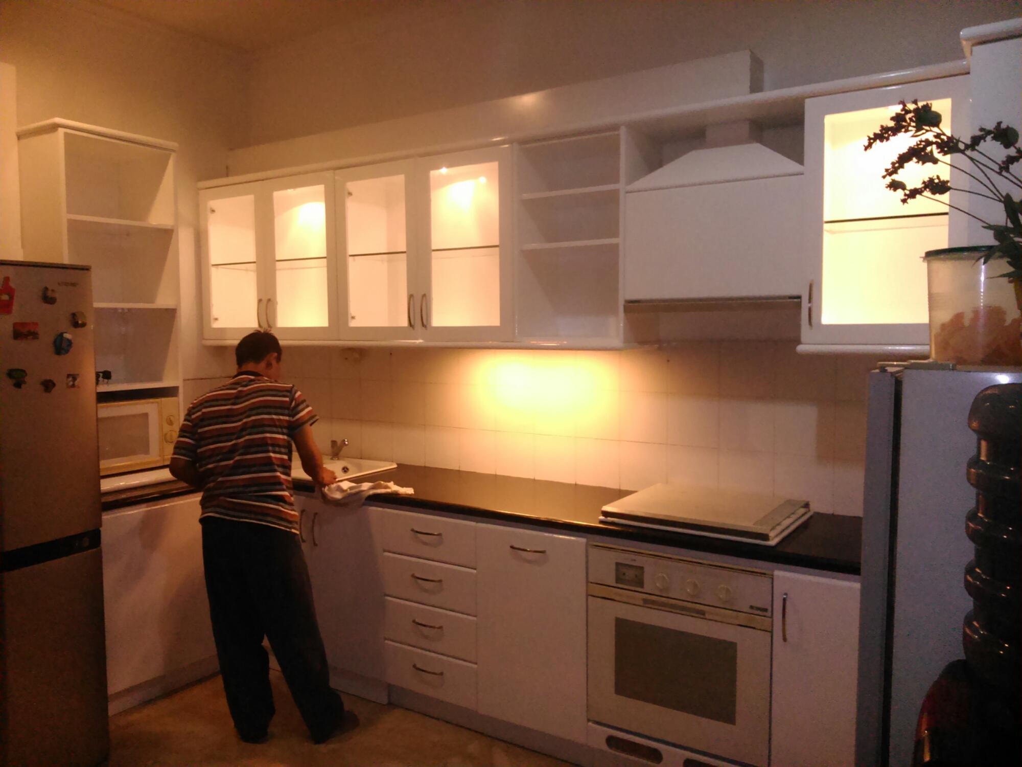 Jasa pembuatan kitchen set minimalis modern bintaro for Kitchen cabinet murah 2016